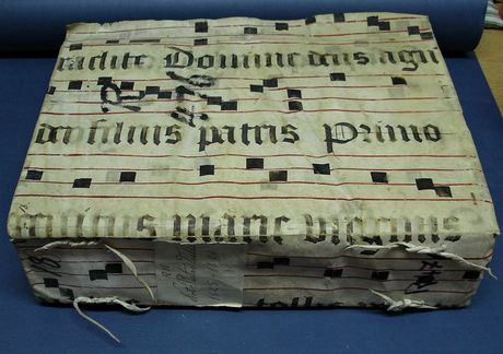 2. R476 Vol 18 Notarial Archives, Valletta Malta, recycled cover made from a fragment of the L'Isle Adam choir books (Courtesy of the Notarial Archives Valletta)