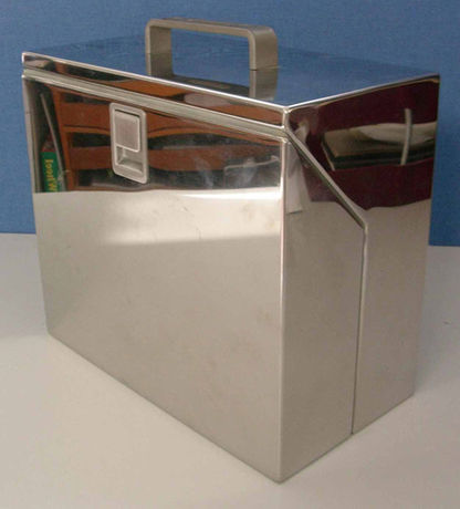 Box in carrying position