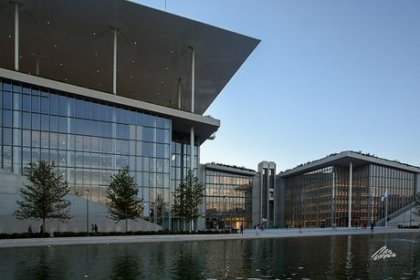 National Library of Greece at the Stavros Niarchos Foundation, Photo by Georgios Liakopoulos (https://commons.wikimedia.org/wiki/File:Stavros_Niarchos_Foundation_Cultural_Center5.jpg)