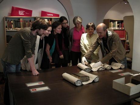 Examining bindings with Georgios Boudalis