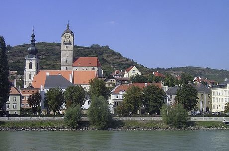 By Denis Barthel, https://de.wikipedia.org/wiki/Datei:Krems_2004.jpg Creative Commons Attribution-Share Alike 3.0 Unported