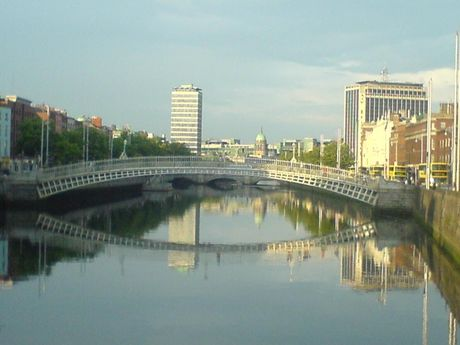 River Liffey in Dublin, by John Quincey (https://commons.wikimedia.org/wiki/File:River_Liffey_in_Dublin_city_centre.jpg)