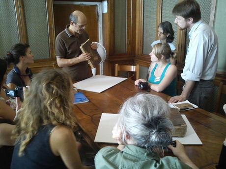Examining books at the Marciana